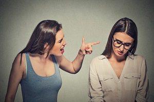 Dans quelle mesure faut-il traiter avec des personnes négatives ?
